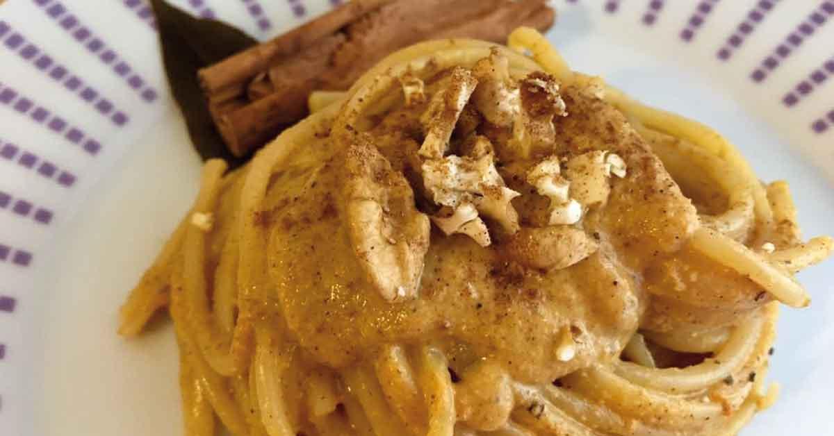 pasta-con-zucca-noci-e-pumpking-spice