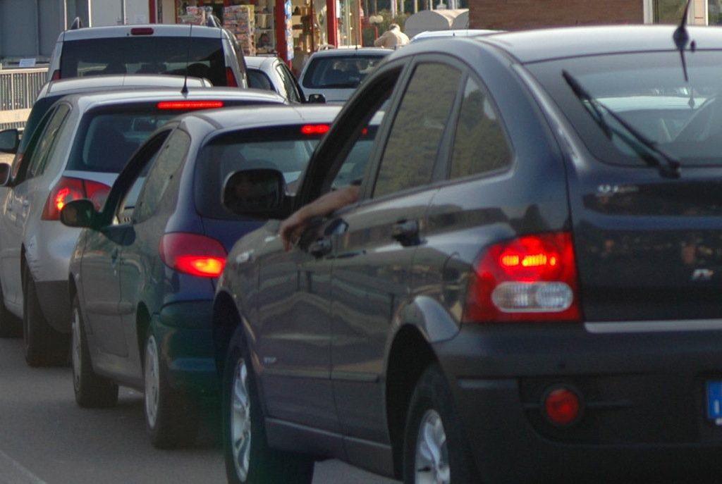 Traffico congestionato sulla statale