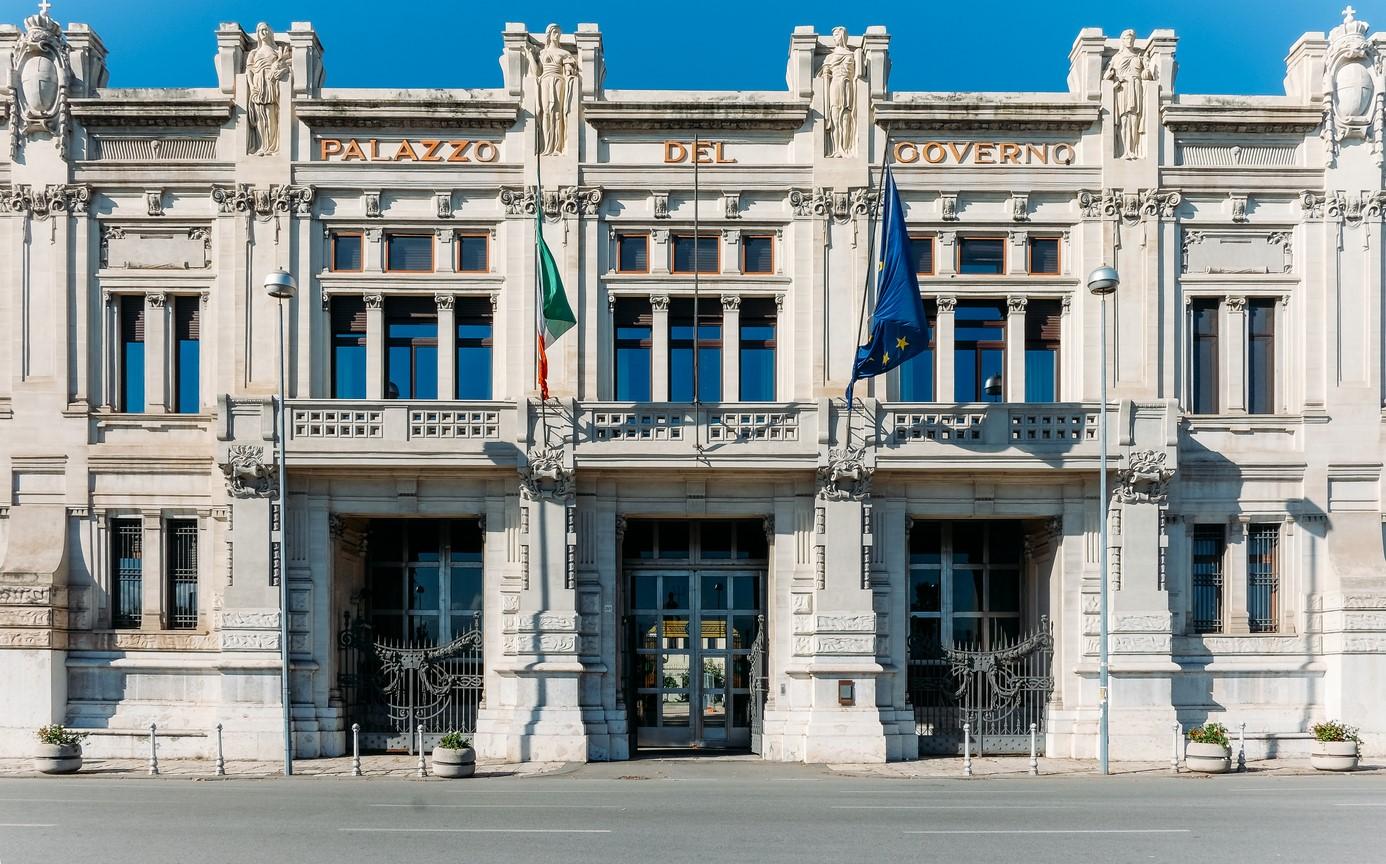 Palazzo del governo, Prefettura