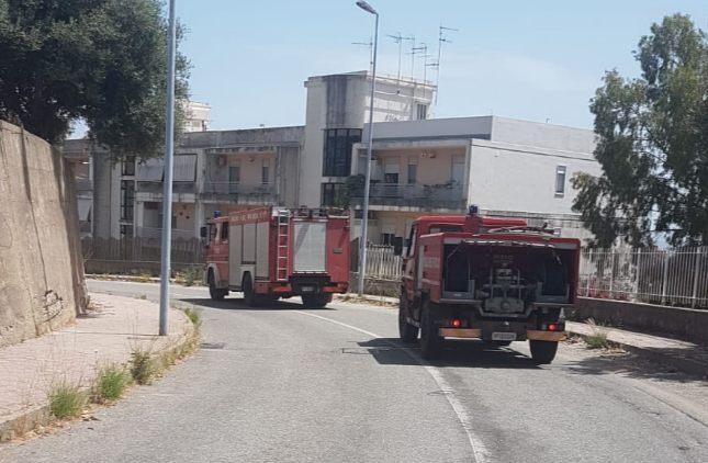 Una macchina ha preso fuoco nei pressi di Sant'Agata
