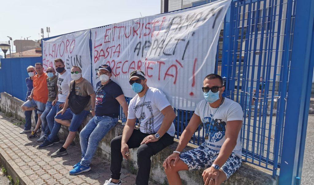 Messina, la protesta degli ex letturisti dell'Amam 3