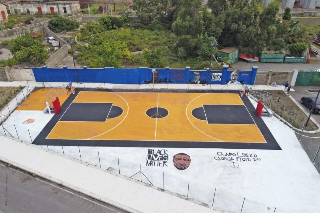 L'inaugurazione del campo di basket nella Zona Falcata.